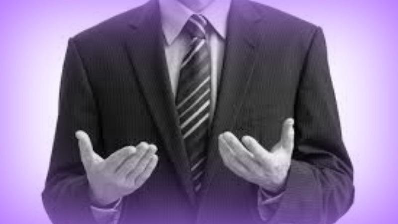 tenendo le mani mentre incontri domande per chiedere un ragazzo prima datazione Christian
