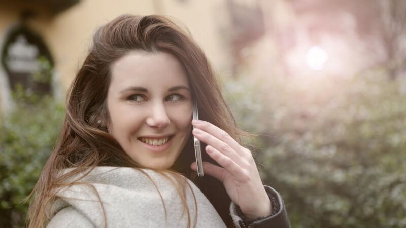 come sedurre un uomo al telefono